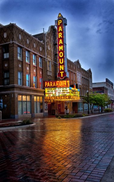 Anderson Paramount Theatre – Meridian Street in Anderson, Indiana